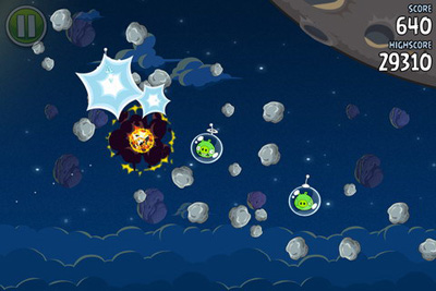 Скриншот игры Angry Birds Space для Android.